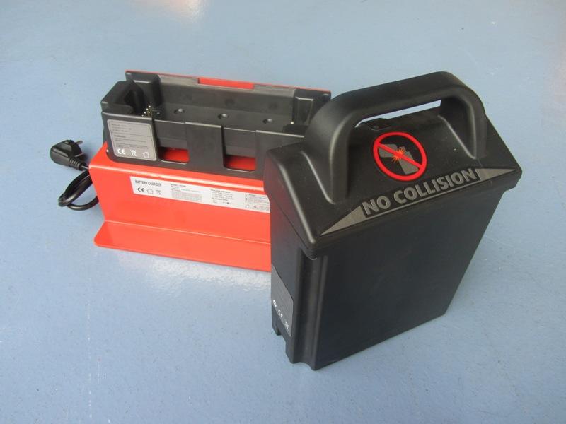 Prostownik i bateria elektrycznygo wózka paletowego BD-12EZ